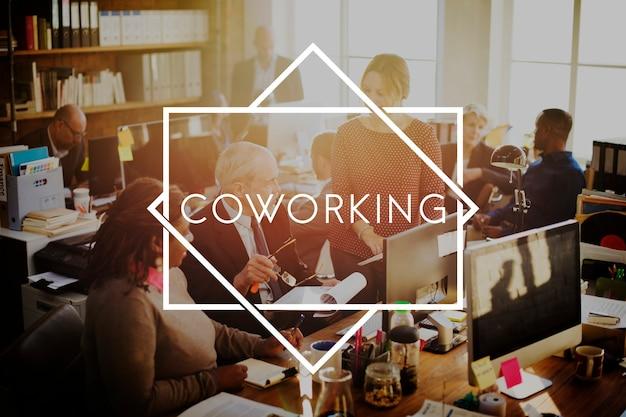 Conceito de grupo de trabalho em equipe colaboração cooperação coworking