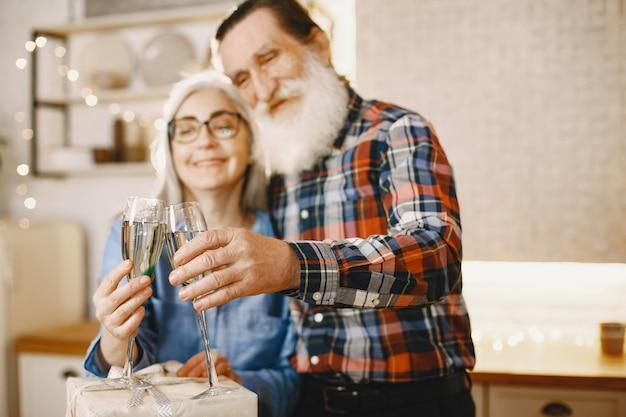 Conceito de idade e pessoas