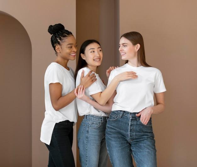 Conceito de inclusão com mulheres multiétnicas