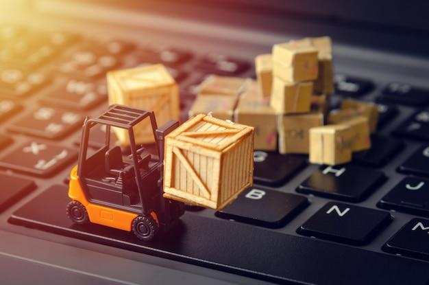 Conceito de indústria de armazém de logística de comércio eletrônico