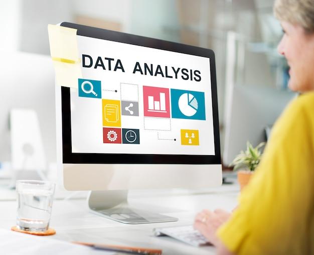 Conceito de informação de apresentação de análise de dados de negócios