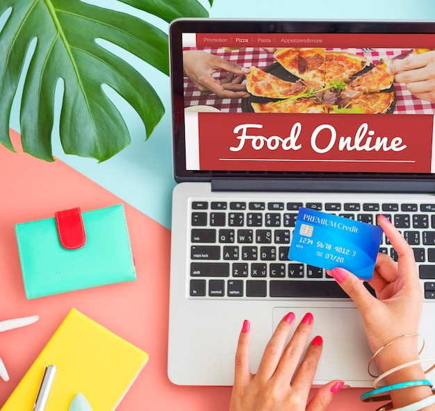 Conceito de internet on-line para pedidos de comida e pizza