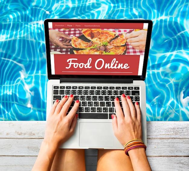 Conceito de internet on-line para pedidos de pizza e comida