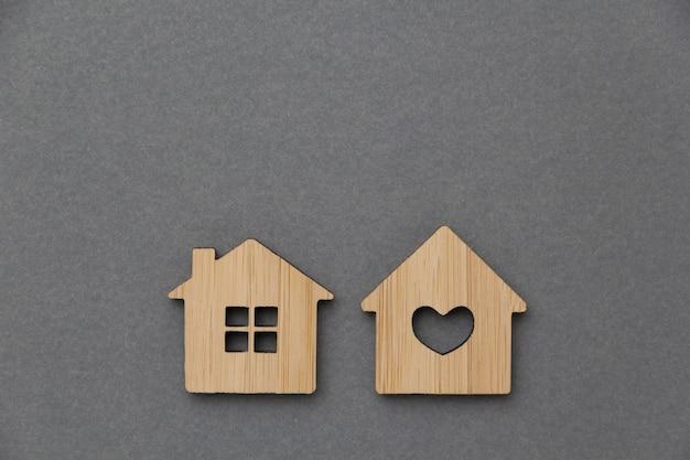 Conceito de investimento imobiliário. casa em miniatura