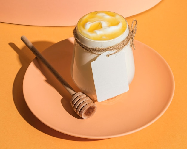 Conceito de iogurte delicioso com espaço de cópia