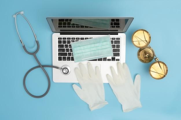 Conceito de lei juiz direito médico conformidade com farmácia regras de negócios de assistência médica.