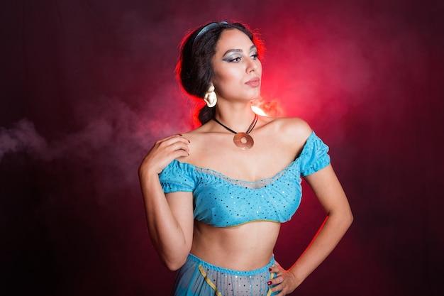 Conceito de magia, cosplay, carnaval e conto de fadas