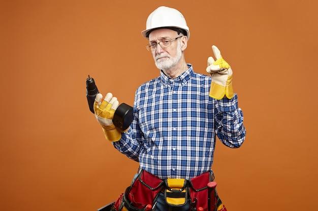 Conceito de manutenção, reparação, canalização e construção.