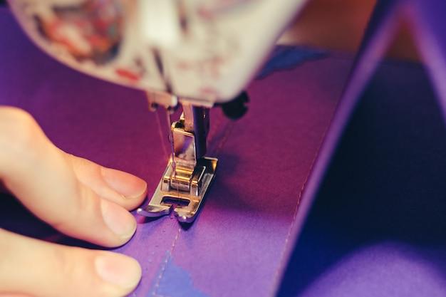 Conceito de máquina de costura de design de scrapbooking