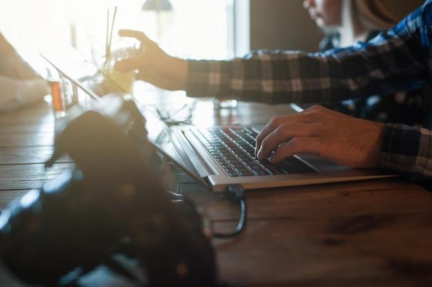 Conceito de navegação na web de processo de trabalho de navegação na internet