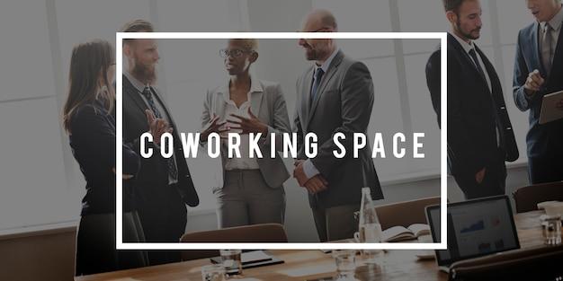 Conceito de negócio corporativo de escritório de espaço de coworking