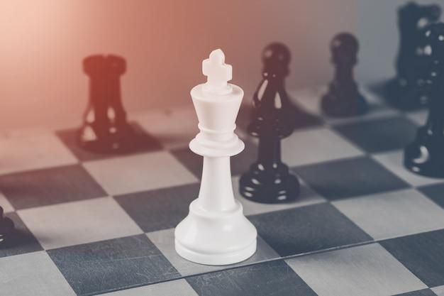 Conceito de negócio de xadrez, líder e sucesso.