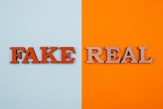 Conceito de notícias falsas ou reais plana lay