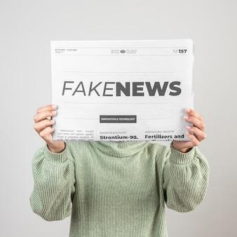 Conceito de notícias falsas Foto gratuita