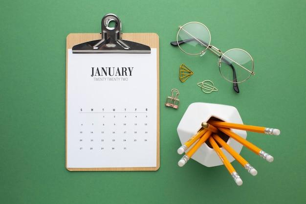 Conceito de organização de tempo com configuração plana de calendário