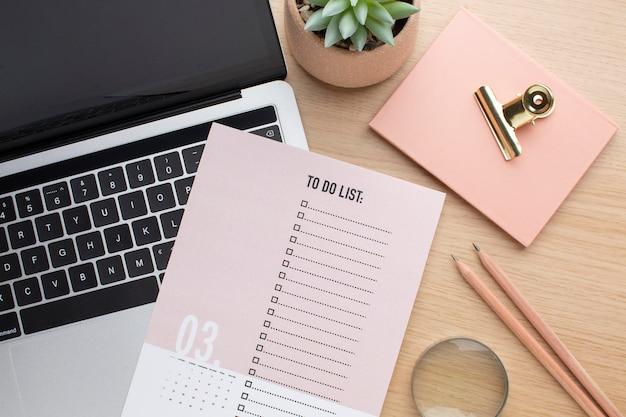 Conceito de organização de tempo com lista plana lay