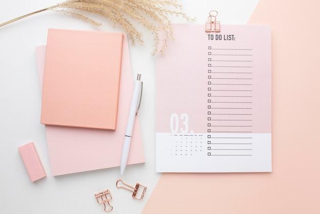 Conceito de organização do tempo com vista superior do planejador