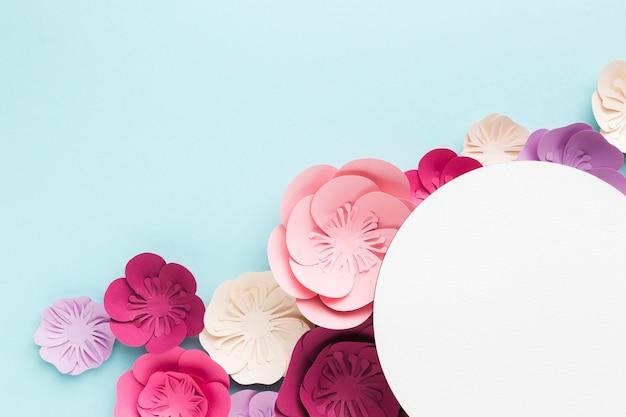 Conceito de ornamento de papel floral elegante