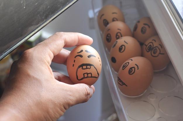 Conceito de ovo chorando