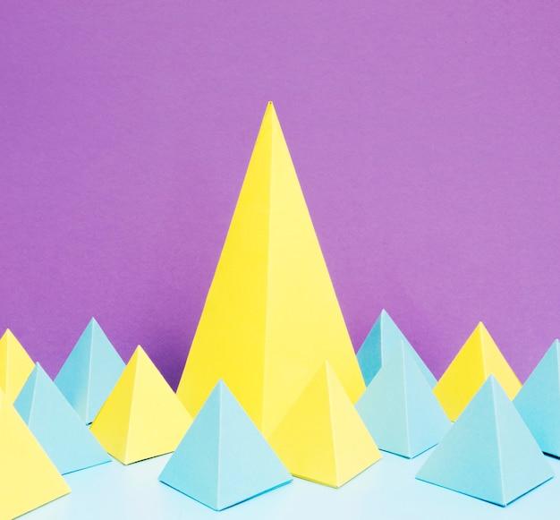 Conceito de papel de triângulos