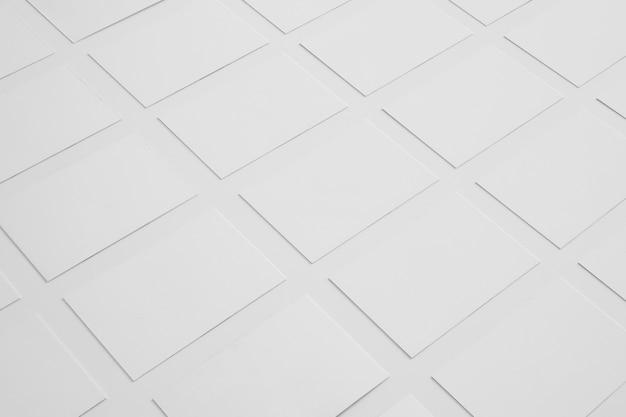 Conceito de papelaria em branco com muitos cartões de visita