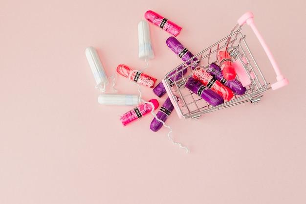 Conceito de período menstrual. proteção de higiene feminina