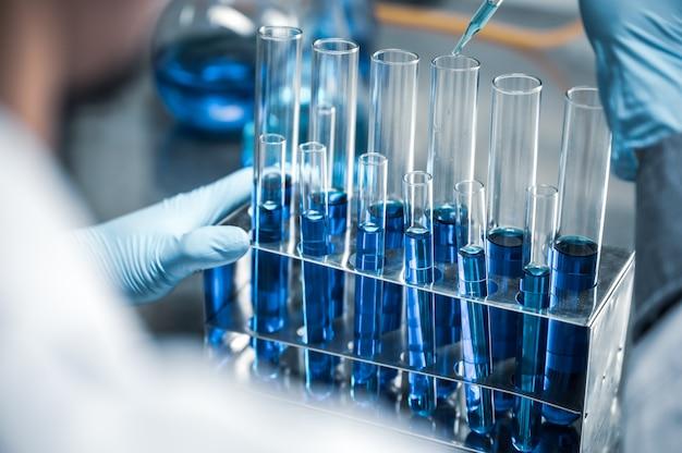 Conceito de pesquisa e desenvolvimento de laboratório de ciência de vidraria