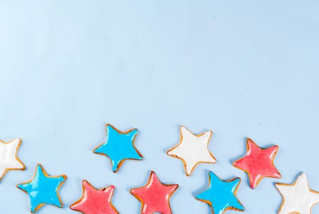 Conceito de plano de fundo dia da independência americana eua, estrela biscoitos azul, vermelho e branco
