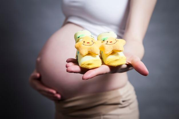 Conceito de preparação e expectativa da maternidade para gravidez