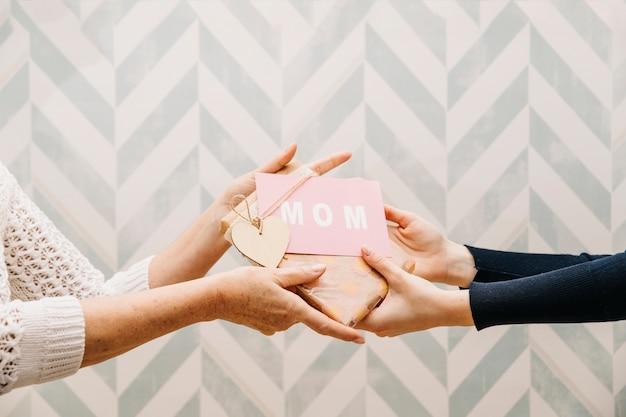 Conceito de presentear para o dia das mães
