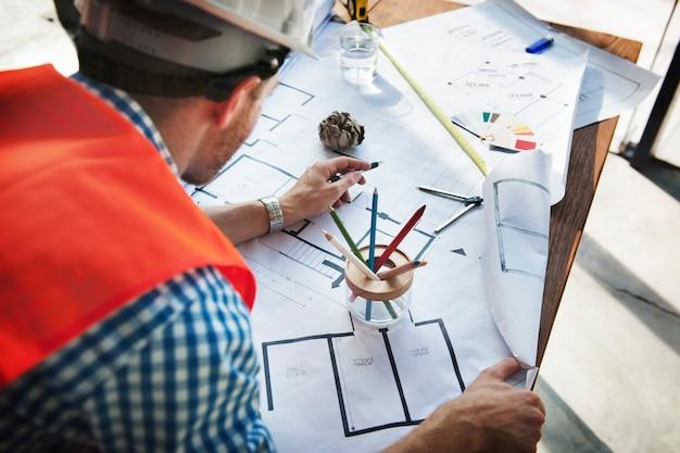 Conceito de projeto do plano interior do modelo da construção