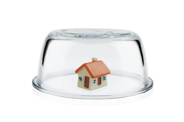 Conceito de proteção, cúpula de vidro.