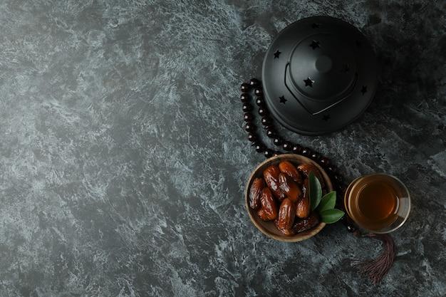 Conceito de ramadã em preto esfumaçado