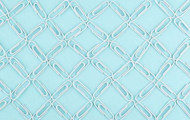 Conceito de rede com clipes de papel acima da vista