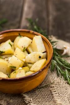 Conceito de refeição saborosa com batatas