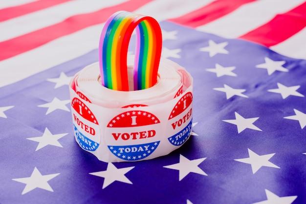 Conceito de reivindicação dos direitos dos gays a políticos americanos nas eleições.