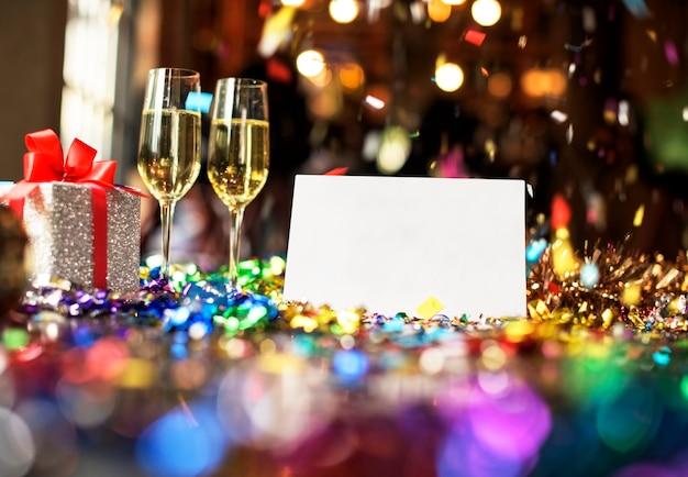 Conceito de relaxamento de festa de cartão em branco