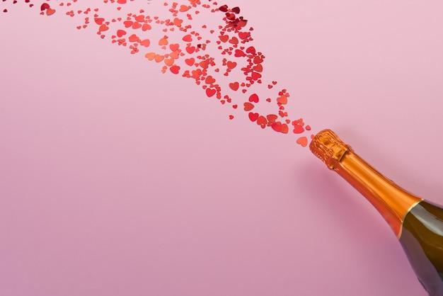 Conceito de são valentim em um fundo rosa com decorações. o conceito do dia de são valentim, casamentos, noivados, dia das mães, aniversário, natal e outros feriados. mosca plana