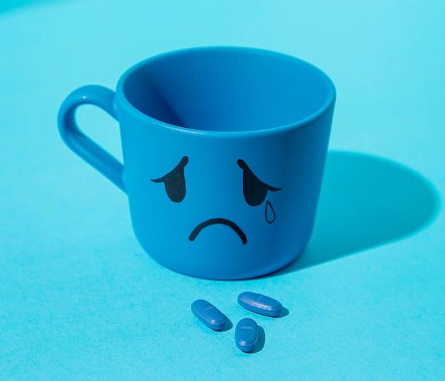 Conceito de segunda-feira azul com comprimidos