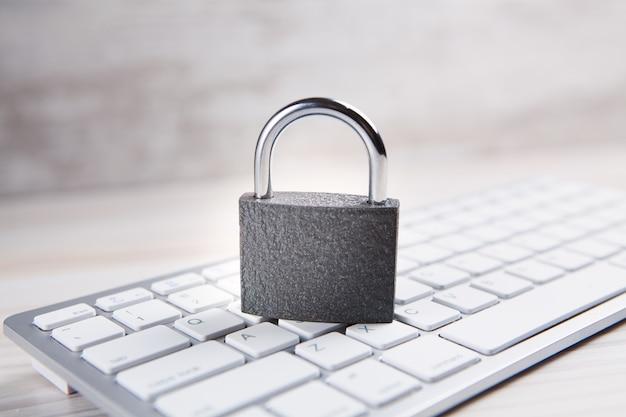 Conceito de segurança de internet e computador.