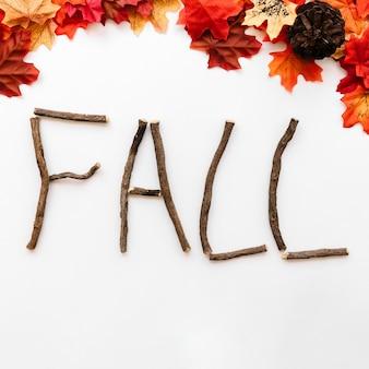 Conceito de sinal de queda projetado por detalhes de outono