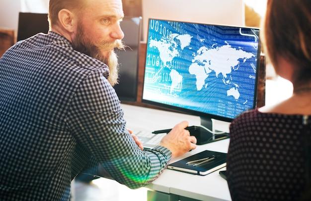 Conceito de software de tecnologia global de dígitos de código binário