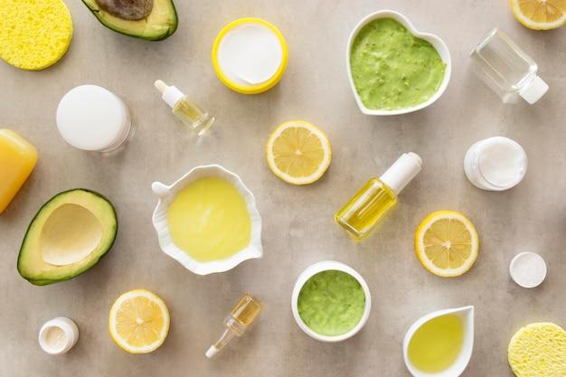 Conceito de spa de beleza e saúde com frutas cítricas e abacate