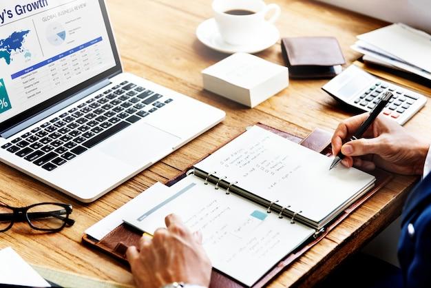 Conceito de sucesso de crescimento de estratégia de plano de negócios