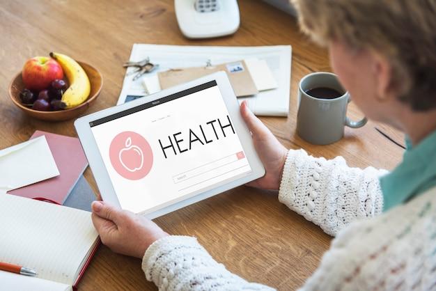 Conceito de tablet digital de saúde e bem-estar