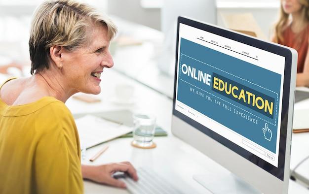 Conceito de tecnologia de e-learning na página inicial da educação on-line