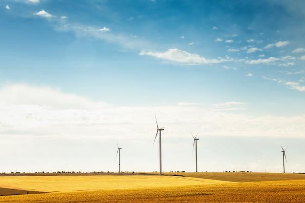 Conceito de tecnologia de eletricidade de energia verde de turbina
