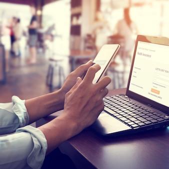 Conceito de tecnologia móvel de pagamento on-line.