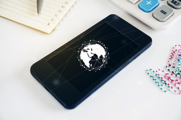 Conceito de tecnologia na tela do telefone