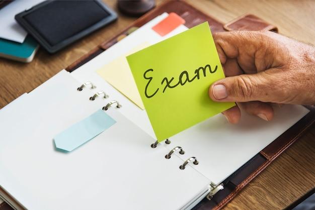 Conceito de teste de lição de conhecimento do questionário de verificação do exame